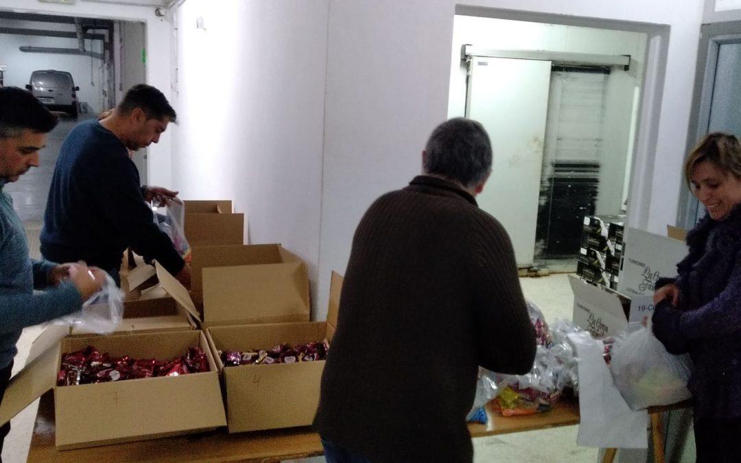 La Cofradía prepara la donación de mantecados para la campaña de Navidad de Cáritas